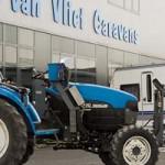 Van Vliet Caravans traktor stalling