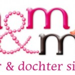 Logo Mom & Me, www.kayasieraden.nl