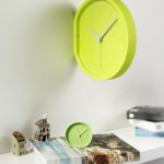Wand clock side en beside wekker Lexon-Design