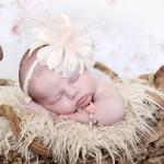 Baby in mandje met flower armband - KAYA Sieraden