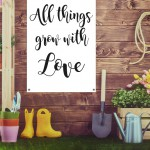 Tuindoek met tekst all-things-grow-with-love - topmuurstickers.nl