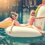 Scarfz presenteert zomerse musthaves voor op het strand of aan het zwembad