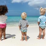 Eindeloos buitenspeelplezier met kleurrijke UV-beschermende kinderkleding van Lässig