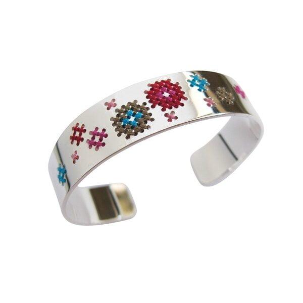 Geborduurde bangle armband