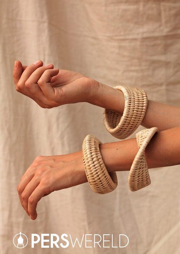 manava-cambodia-bangle-armband