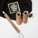 Baby Dutch Set Leopard ~2 - slofjes en speenkoord - baby-dutch.nl