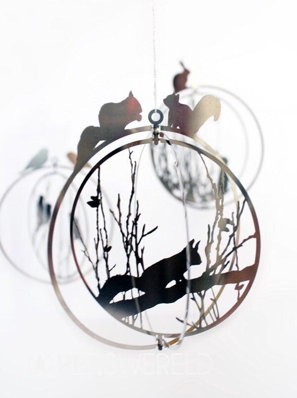 noussconceptstore-squirrel-ball-hanger-1