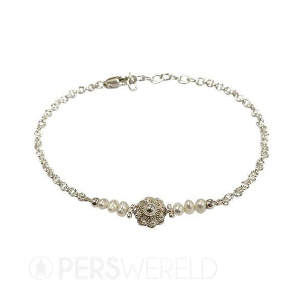 corinarietveld-zeeuwse-knoop-armband-witte-parels