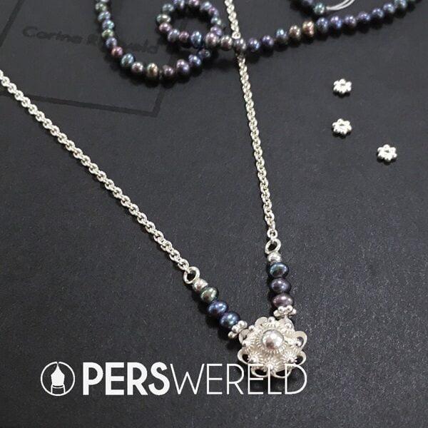 corinarietveld-zeeuwse-knoop-ketting-zilver-zwarte-parels-1