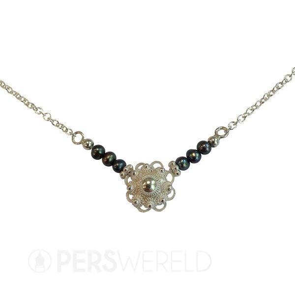 corinarietveld-zeeuwse-knoop-ketting-zilver-zwarte-parels-2