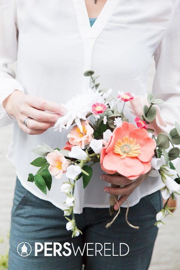 viltbloemist-bruidsboeket-viltbloeiers-papavers